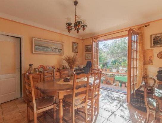 Maison à vendre 4 115m2 à Cagnes-sur-Mer vignette-4