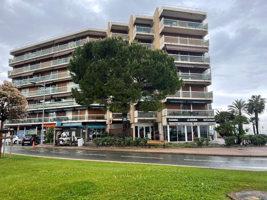 Appartement à vendre 1 24m2 à Cagnes-sur-Mer vignette-1