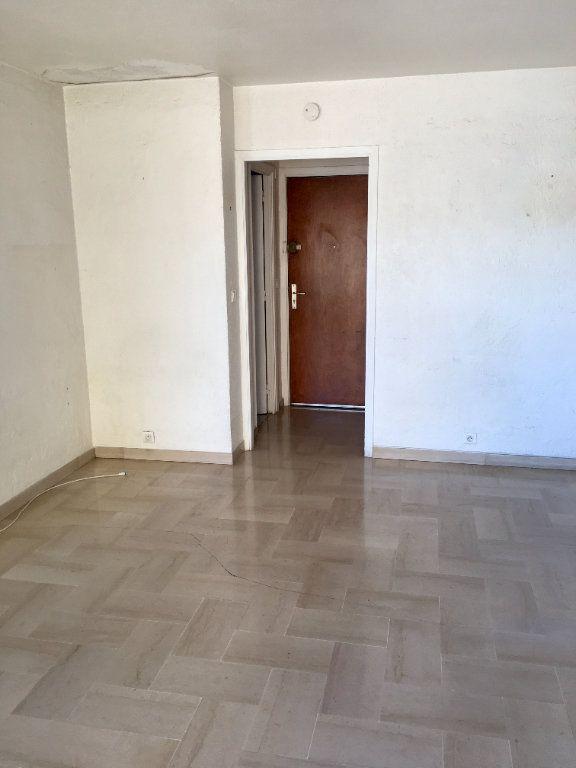 Appartement à vendre 1 24m2 à Cagnes-sur-Mer vignette-3