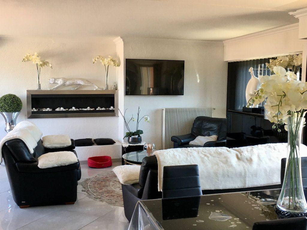 Appartement à vendre 4 143m2 à Cagnes-sur-Mer vignette-5