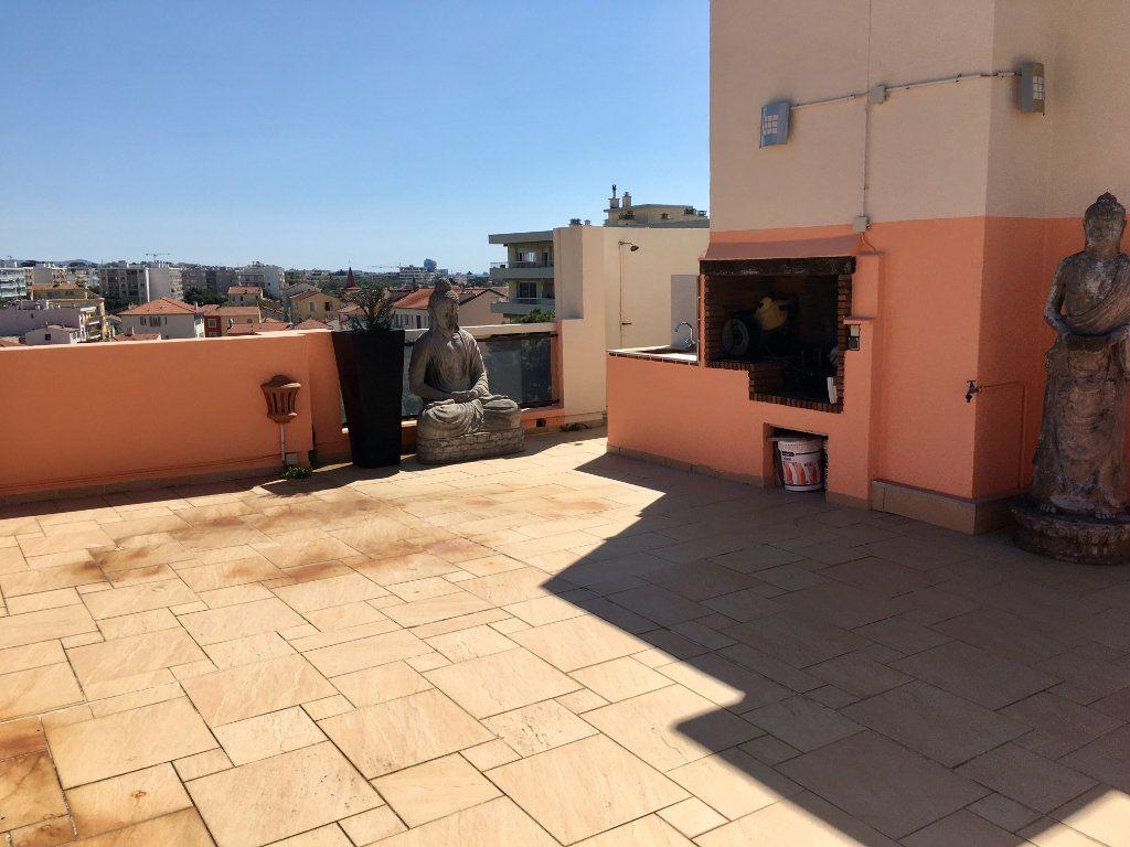 Appartement à vendre 4 143m2 à Cagnes-sur-Mer vignette-6