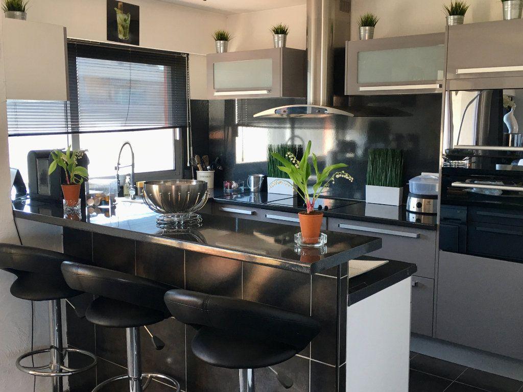 Appartement à vendre 4 143m2 à Cagnes-sur-Mer vignette-10