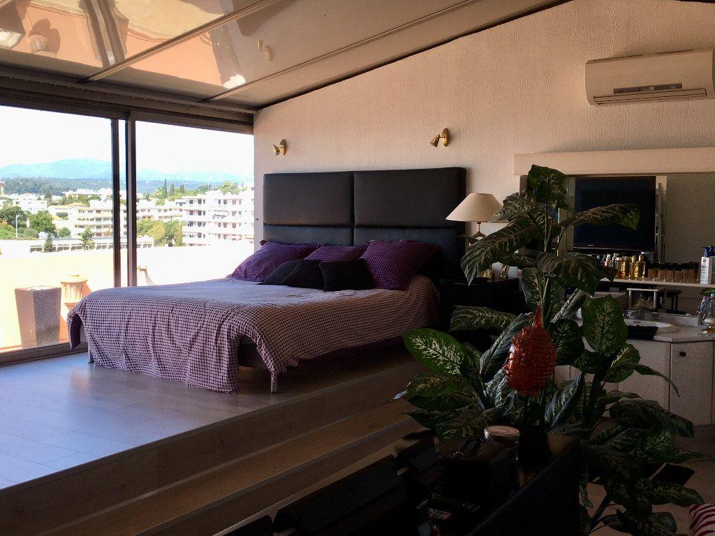 Appartement à vendre 4 143m2 à Cagnes-sur-Mer vignette-11