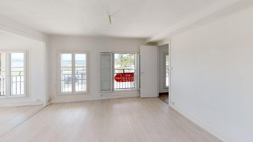 Appartement à louer 2 48.11m2 à Le Havre vignette-1