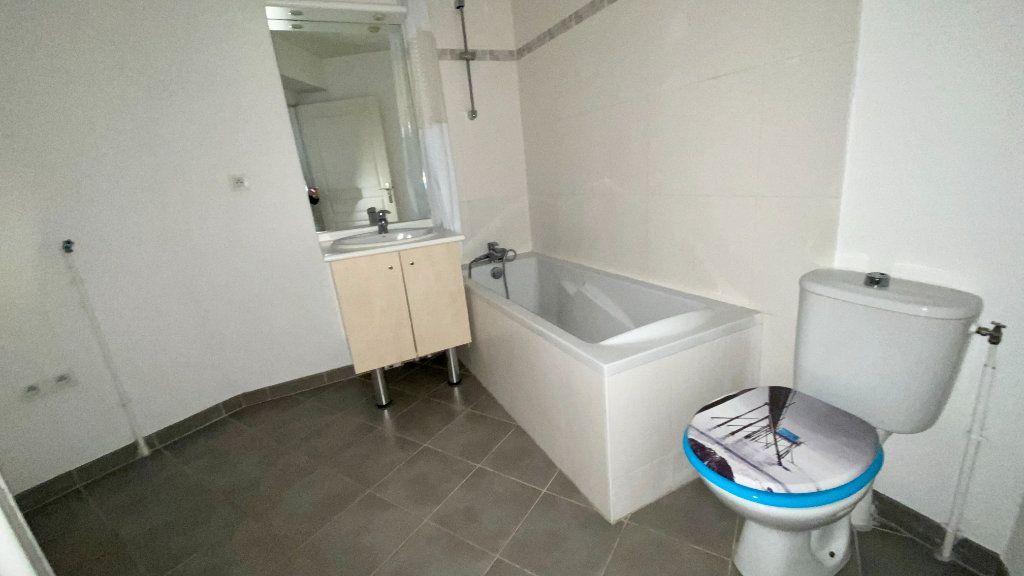 Appartement à louer 2 52.7m2 à Le Havre vignette-4