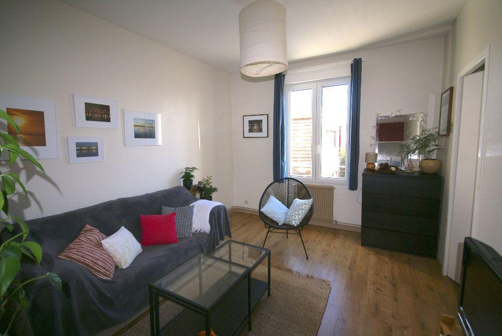 Appartement à louer 2 50m2 à Le Havre vignette-2