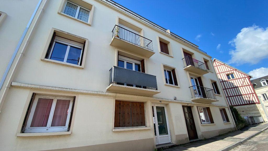Appartement à louer 3 57.87m2 à Montivilliers vignette-1