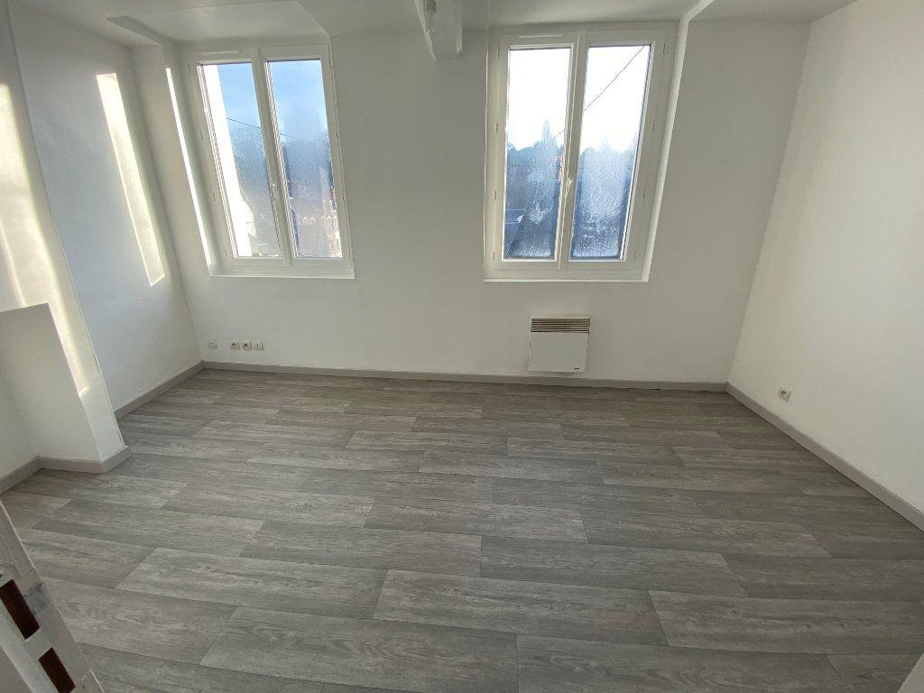 Maison à louer 3 50m2 à Bolbec vignette-4
