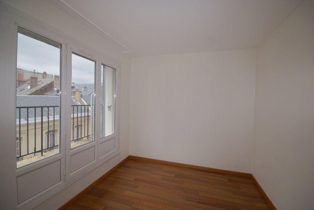 Appartement à louer 3 46.25m2 à Le Havre vignette-3