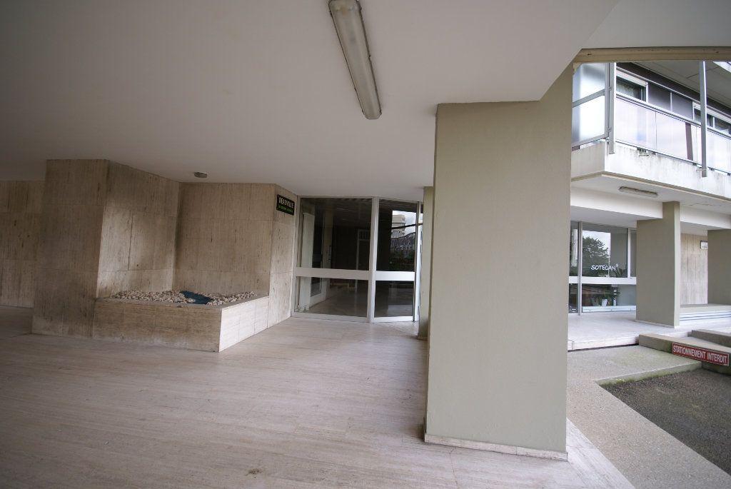 Appartement à louer 1 21.49m2 à Le Havre vignette-3