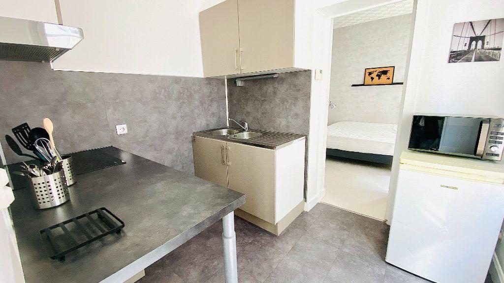 Appartement à louer 2 39.16m2 à Le Havre vignette-3