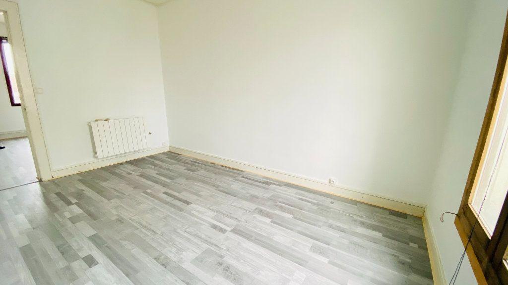 Appartement à louer 1 27.79m2 à Le Havre vignette-2