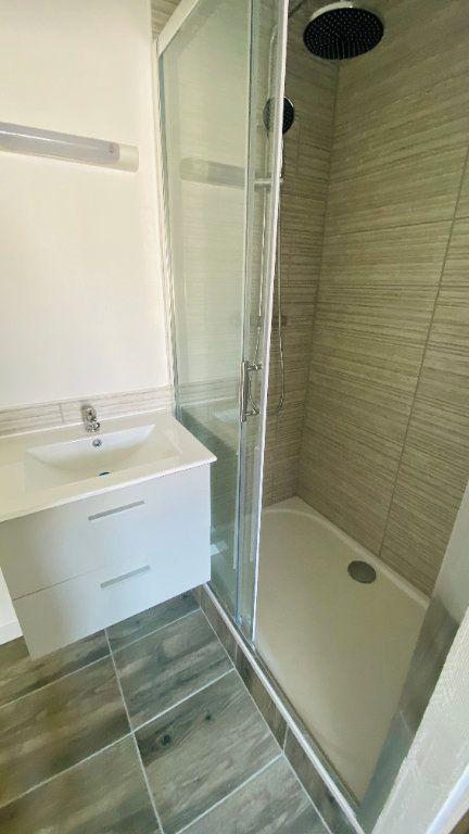 Appartement à louer 3 54.35m2 à Le Havre vignette-3