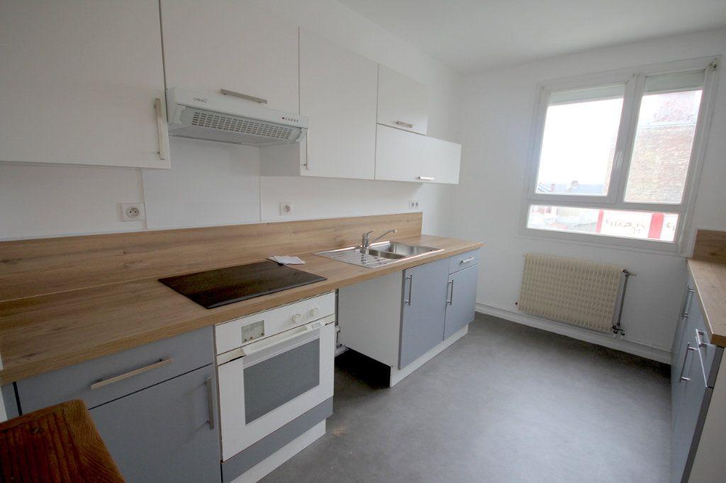 Appartement à louer 4 78.71m2 à Le Havre vignette-2