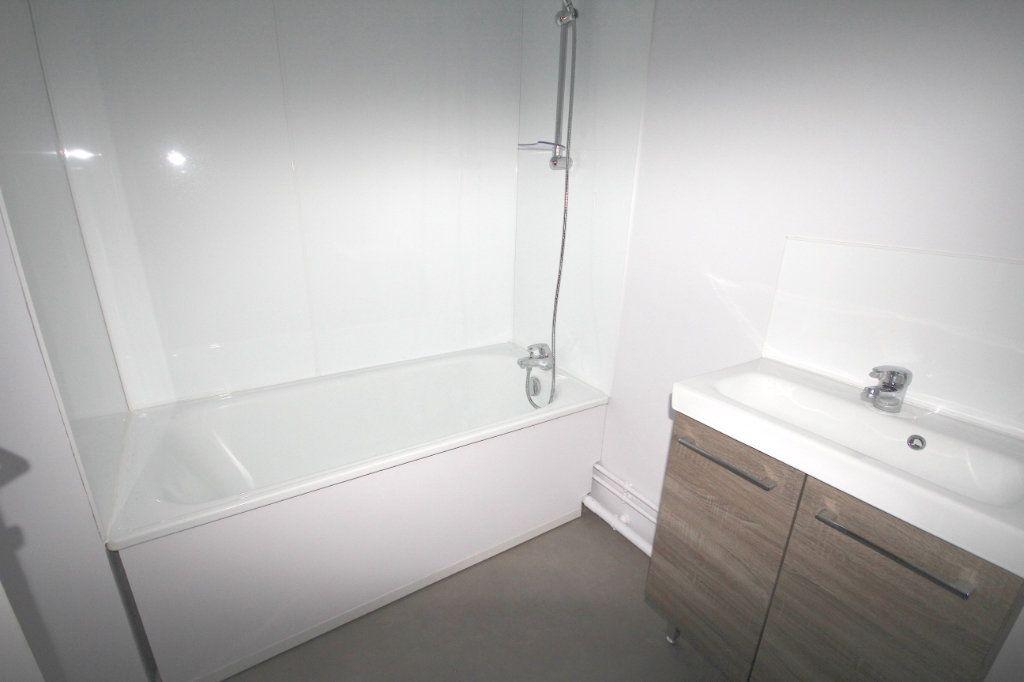 Appartement à louer 4 78.71m2 à Le Havre vignette-3