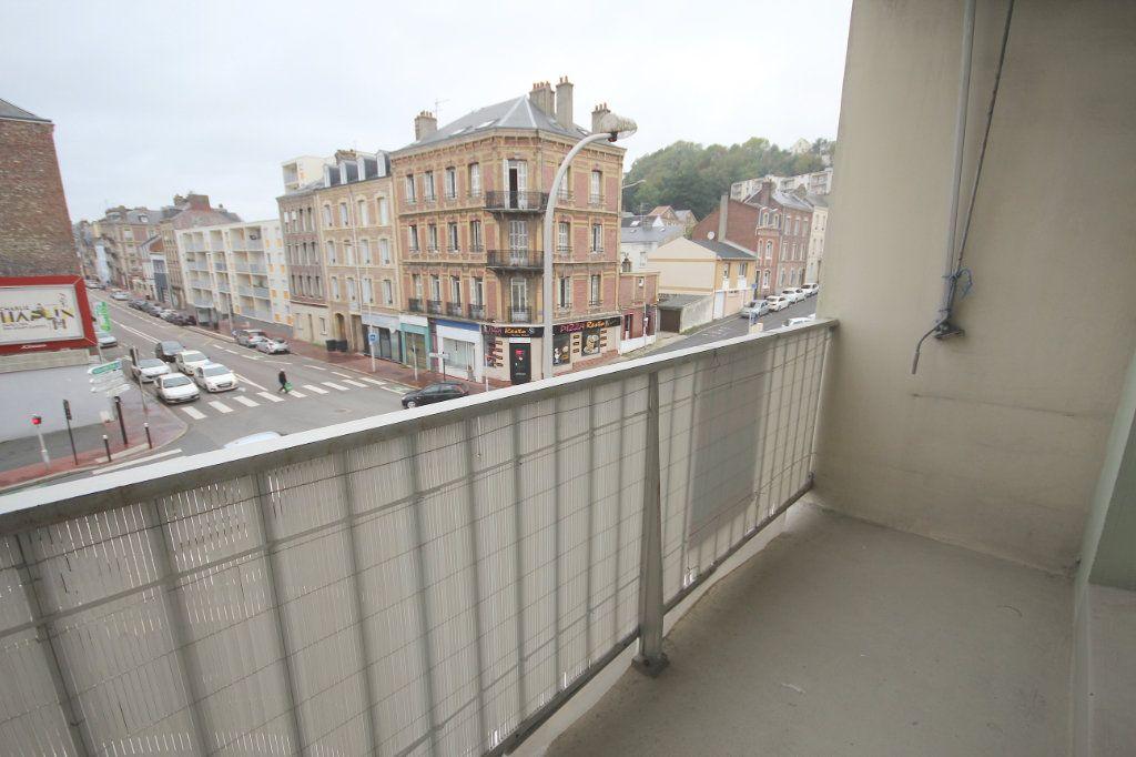Appartement à louer 4 78.71m2 à Le Havre vignette-4