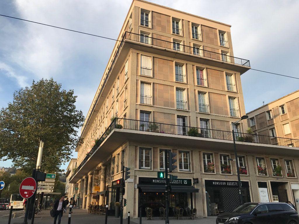 Appartement à louer 4 105.92m2 à Le Havre vignette-1