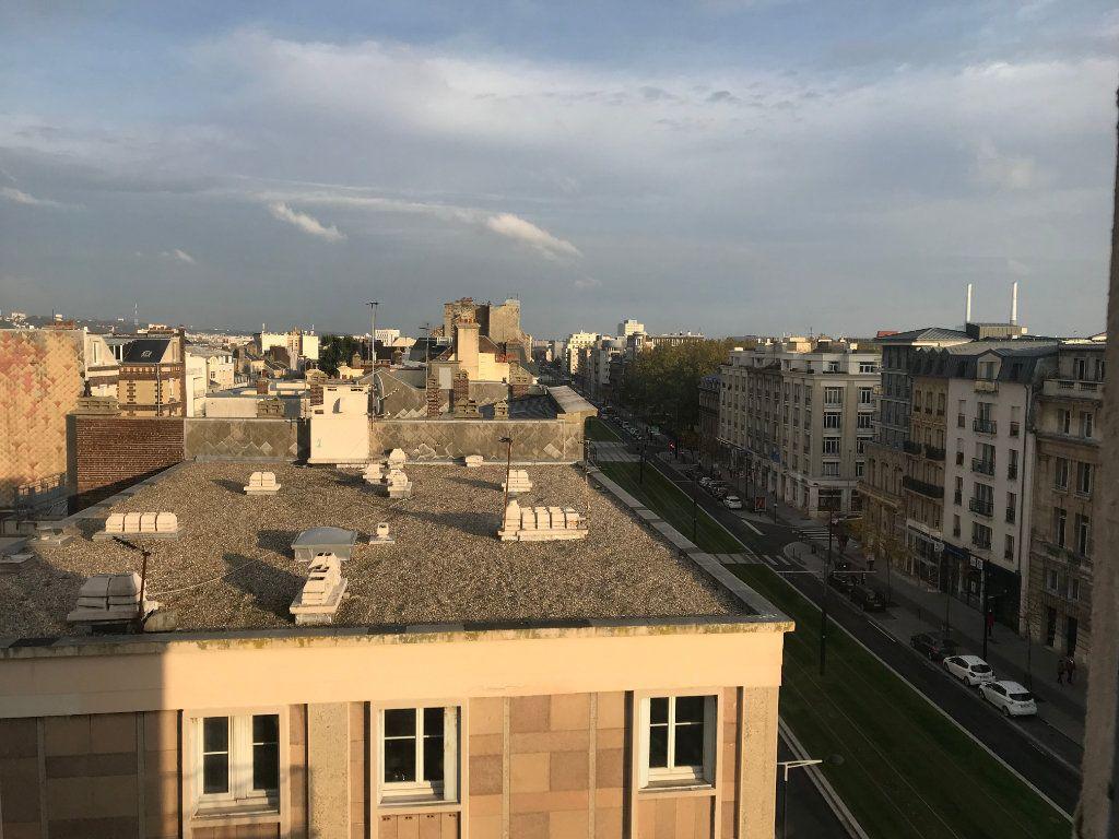 Appartement à louer 4 105.92m2 à Le Havre vignette-8