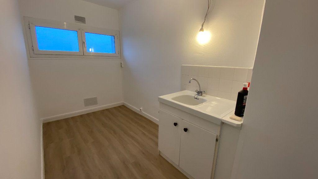 Appartement à louer 2 40.51m2 à Le Havre vignette-2