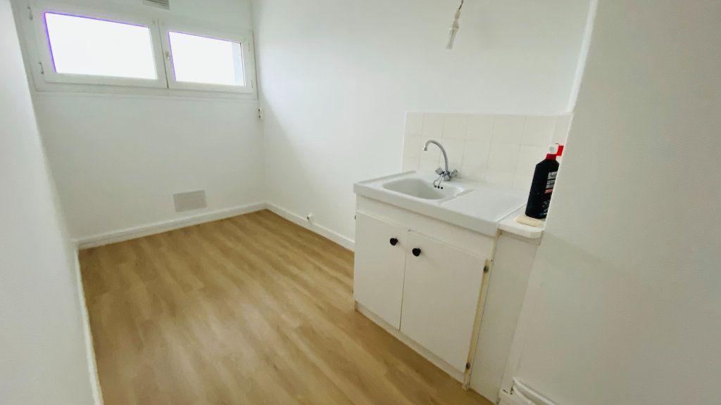 Appartement à louer 2 40.51m2 à Le Havre vignette-3