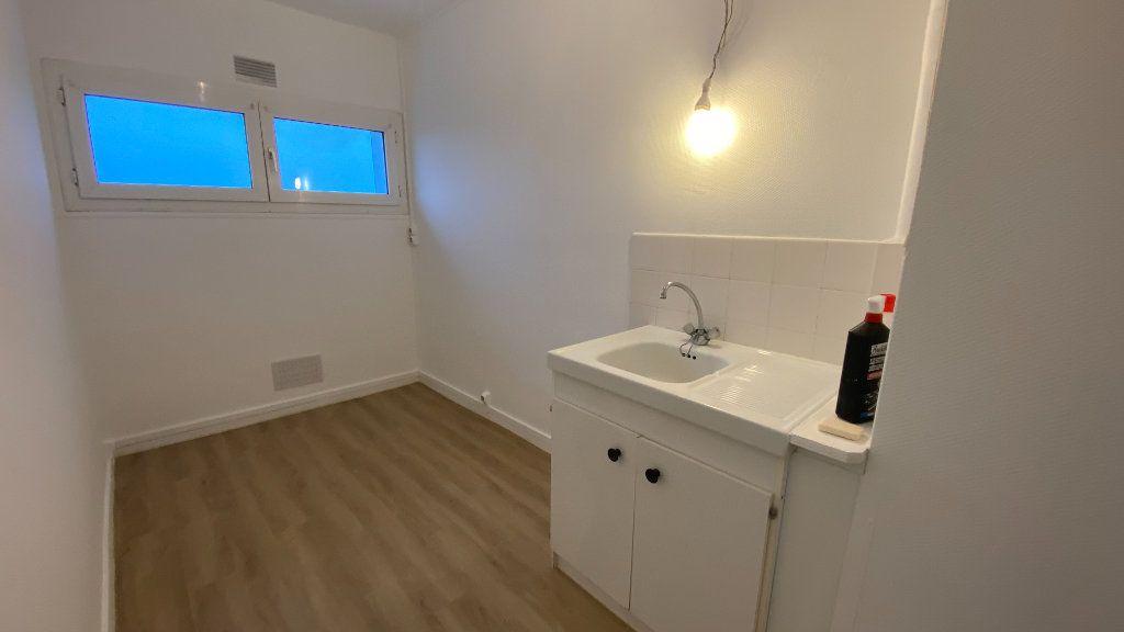 Appartement à louer 2 40.51m2 à Le Havre vignette-8