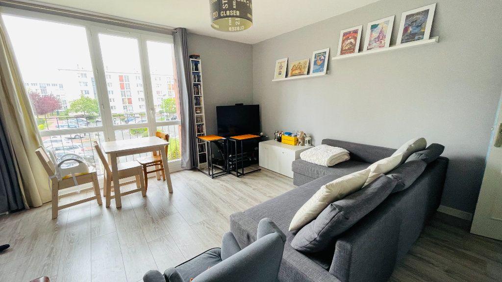 Appartement à louer 3 66.05m2 à Le Havre vignette-2