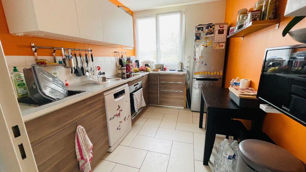 Appartement à louer 3 66.05m2 à Le Havre vignette-3