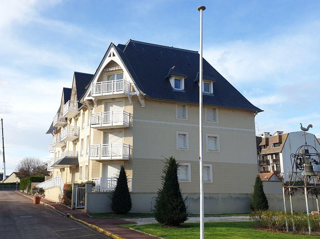 Appartement à vendre 4 133.27m2 à Blonville-sur-Mer vignette-1