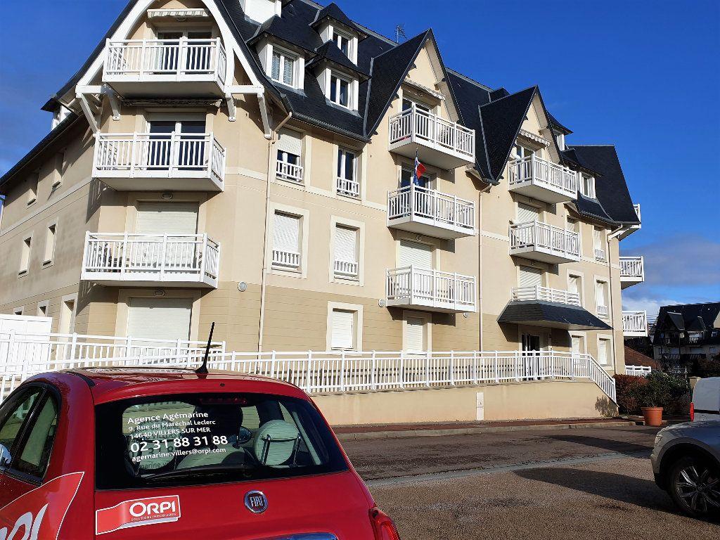 Appartement à vendre 4 133.27m2 à Blonville-sur-Mer vignette-2