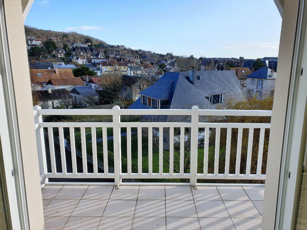 Appartement à vendre 4 133.27m2 à Blonville-sur-Mer vignette-5