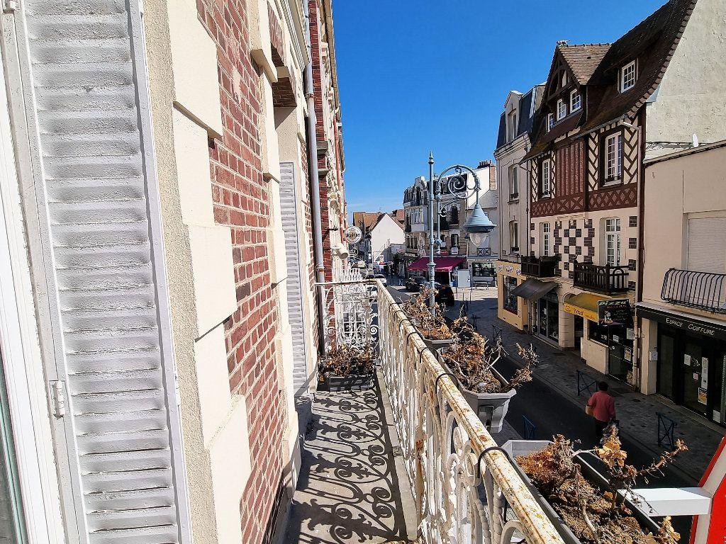 Appartement à vendre 3 51.39m2 à Villers-sur-Mer vignette-1