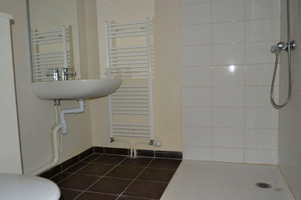 Appartement à louer 3 61.98m2 à Honfleur vignette-6
