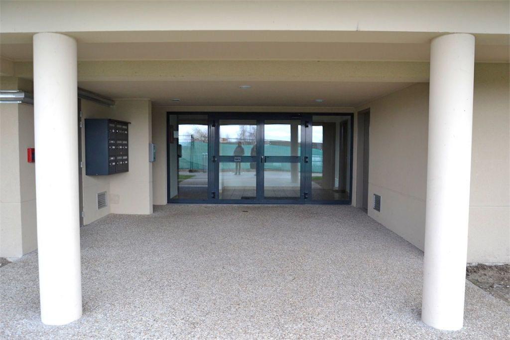 Appartement à louer 3 61.98m2 à Honfleur vignette-10