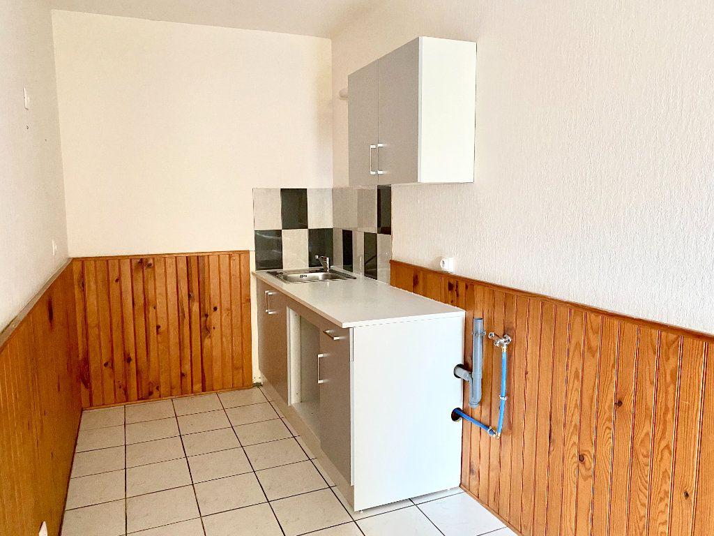 Appartement à louer 1 27.8m2 à Pont-Audemer vignette-2