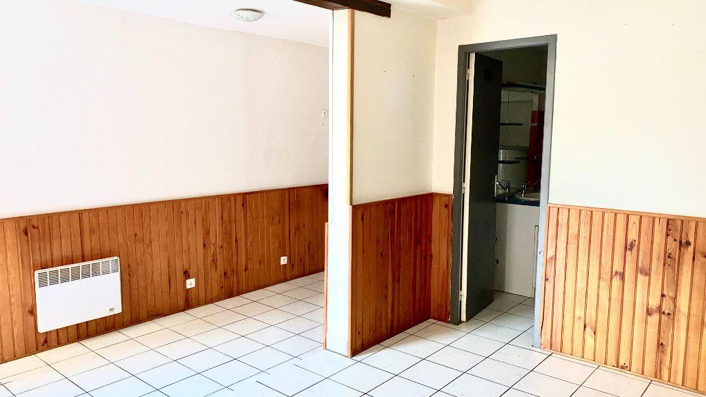 Appartement à louer 1 27.8m2 à Pont-Audemer vignette-4