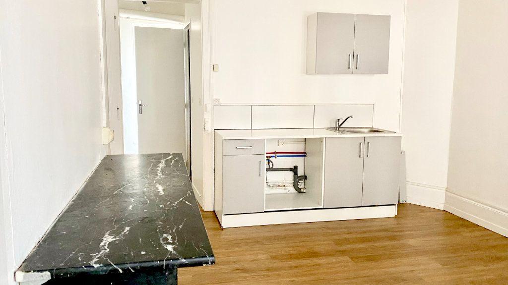 Appartement à louer 1 19m2 à Pont-Audemer vignette-3