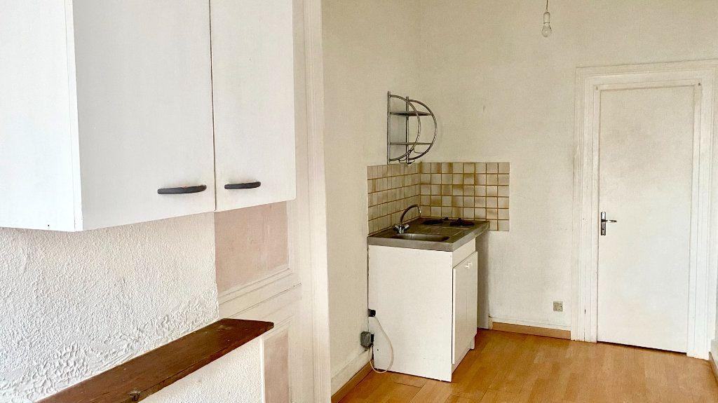 Appartement à louer 1 33m2 à Pont-Audemer vignette-2