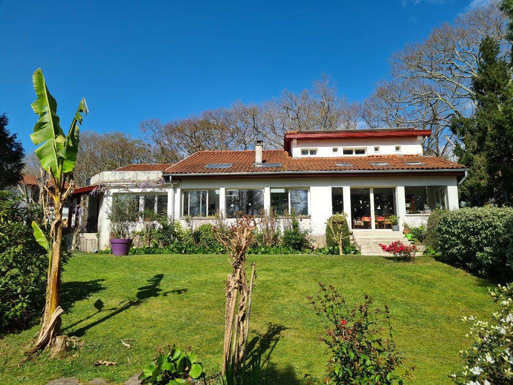 Maison à vendre 6 195m2 à Cambo-les-Bains vignette-1