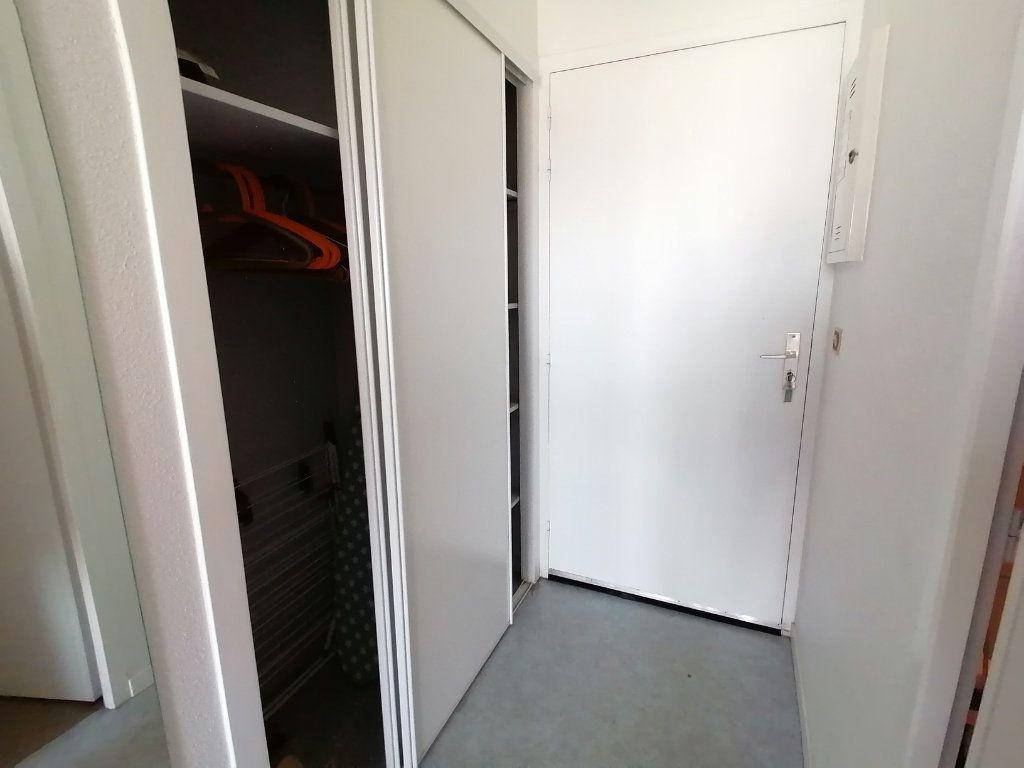 Appartement à louer 1 19.28m2 à Cambo-les-Bains vignette-7