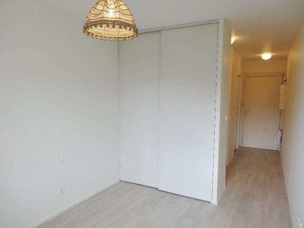 Appartement à louer 1 20m2 à Albi vignette-2