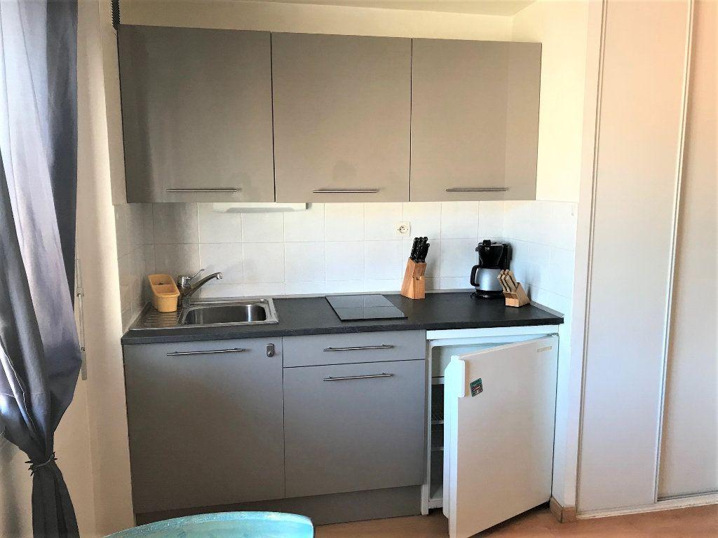Appartement à louer 1 21m2 à Albi vignette-2