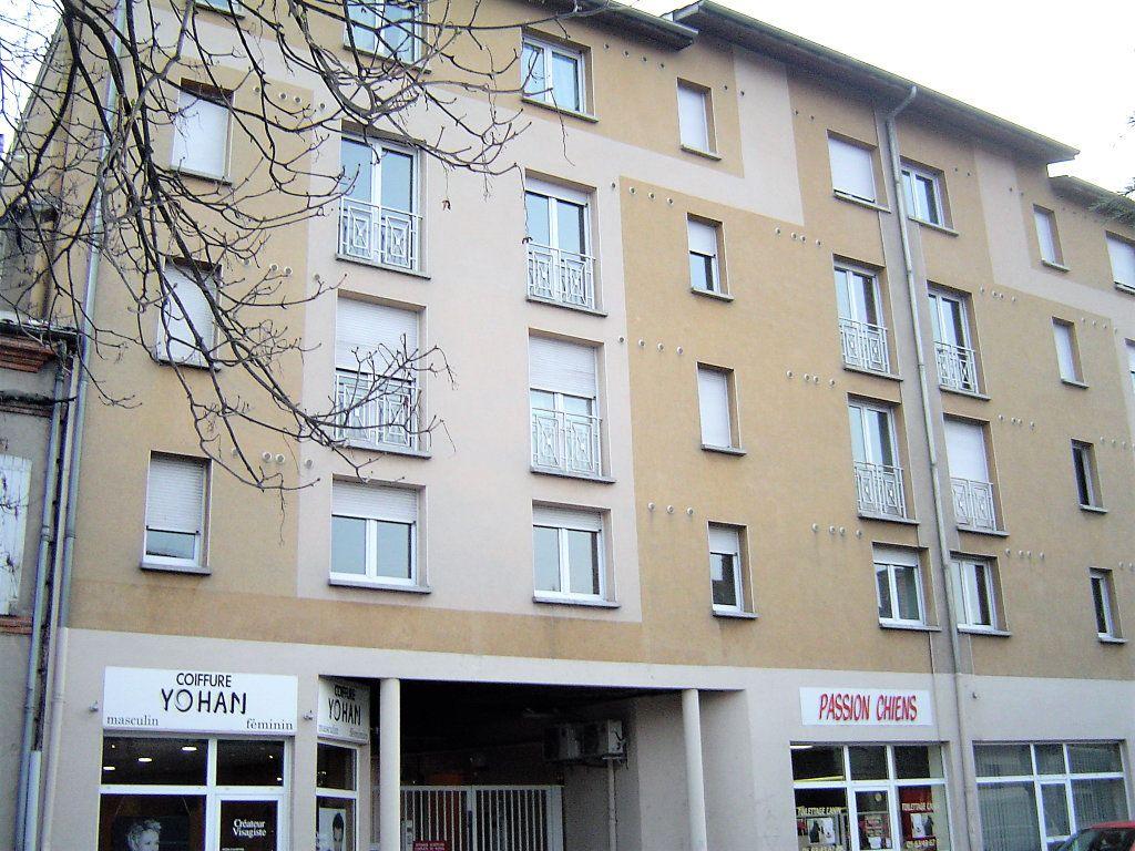 Appartement à louer 1 19m2 à Albi vignette-4
