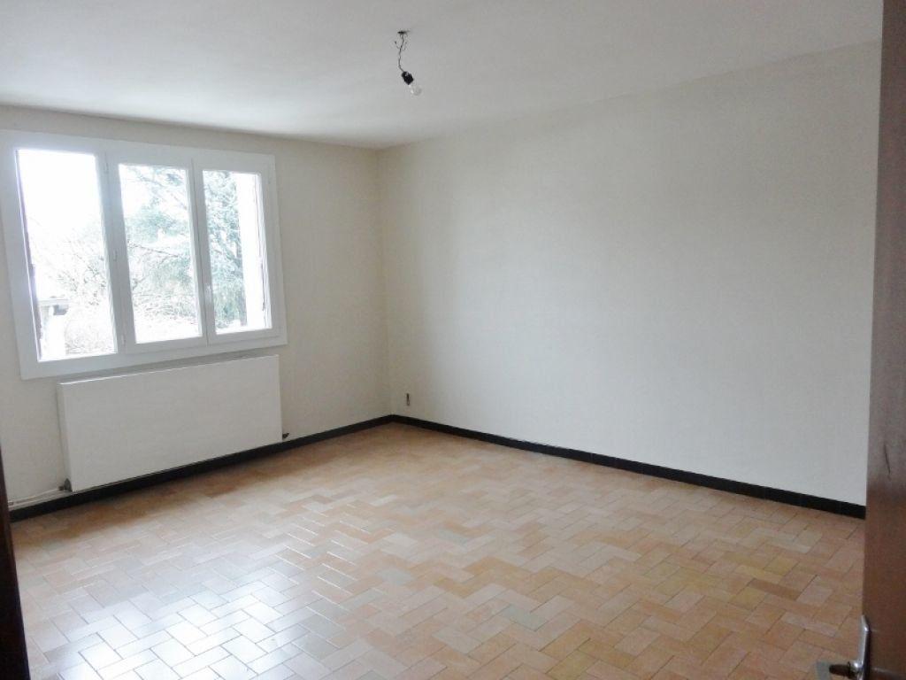 Appartement à louer 3 72m2 à Saint-Juéry vignette-2