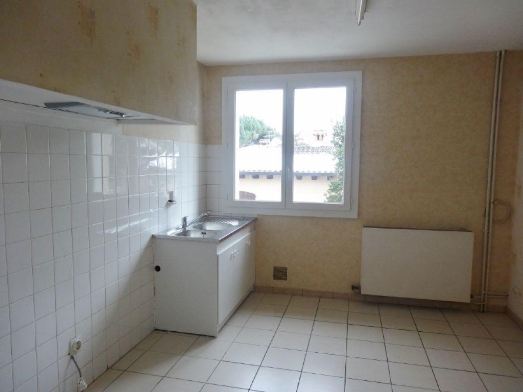 Appartement à louer 3 72m2 à Saint-Juéry vignette-3