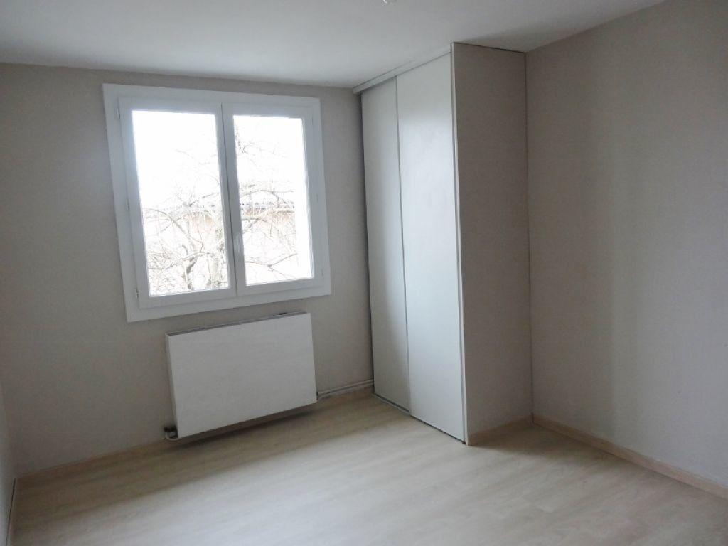 Appartement à louer 3 72m2 à Saint-Juéry vignette-7