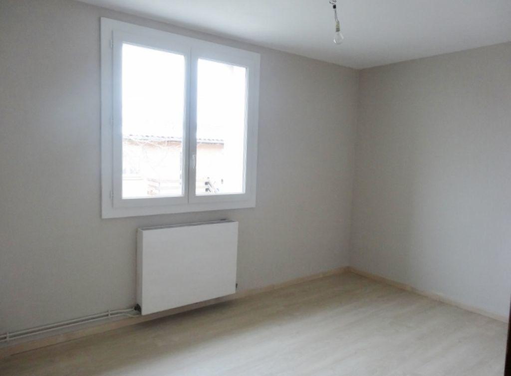 Appartement à louer 3 72m2 à Saint-Juéry vignette-8