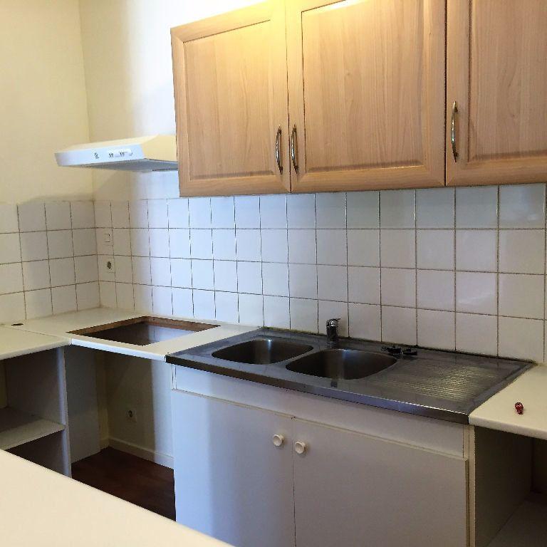 Appartement à louer 2 49m2 à Albi vignette-3