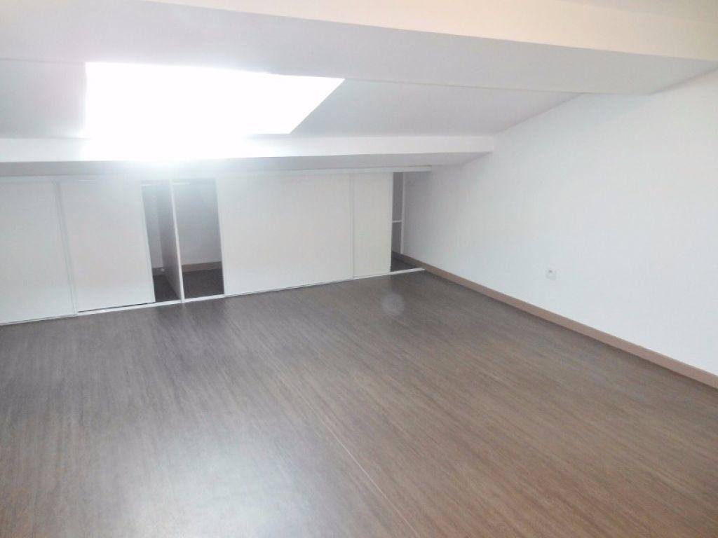 Appartement à louer 2 38m2 à Albi vignette-3