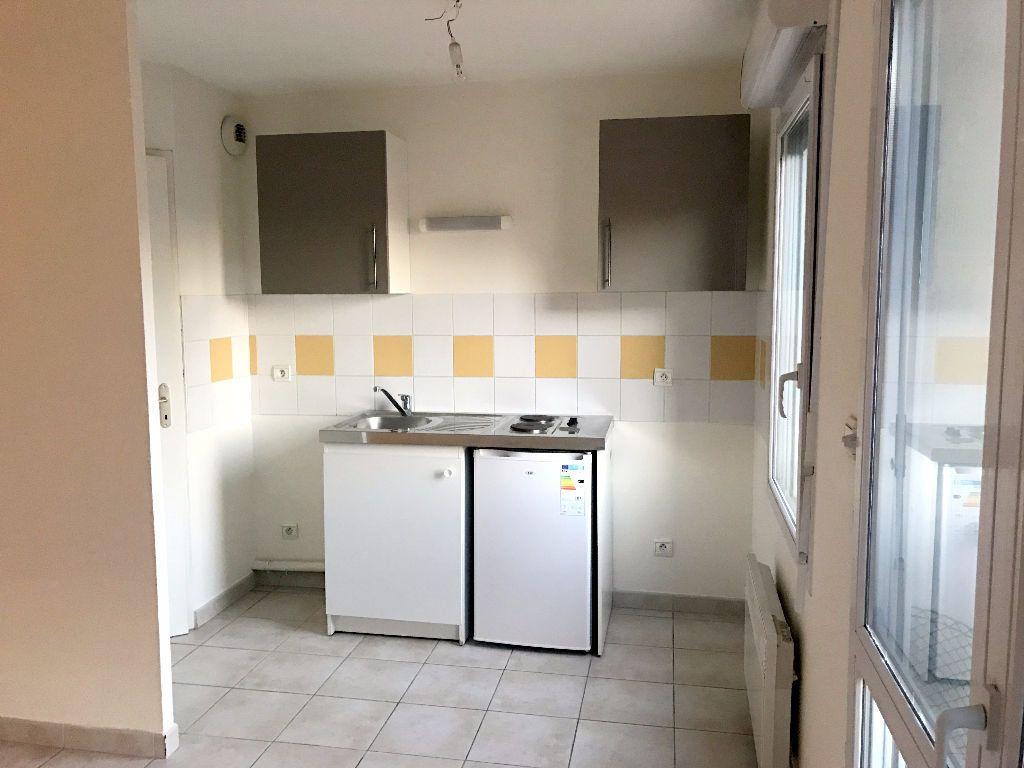 Appartement à louer 2 46m2 à Albi vignette-3