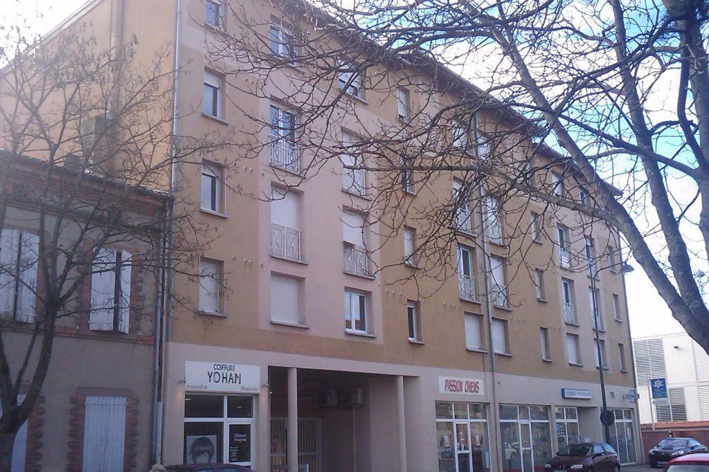 Appartement à louer 1 23m2 à Albi vignette-4
